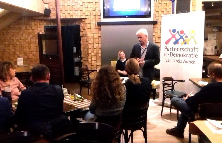 PfD-Koordinator Gohlke begrüsst die Gäste