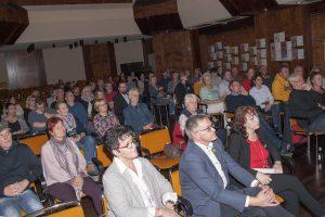 Im Bürgersaal der Gemeinde Großefehn